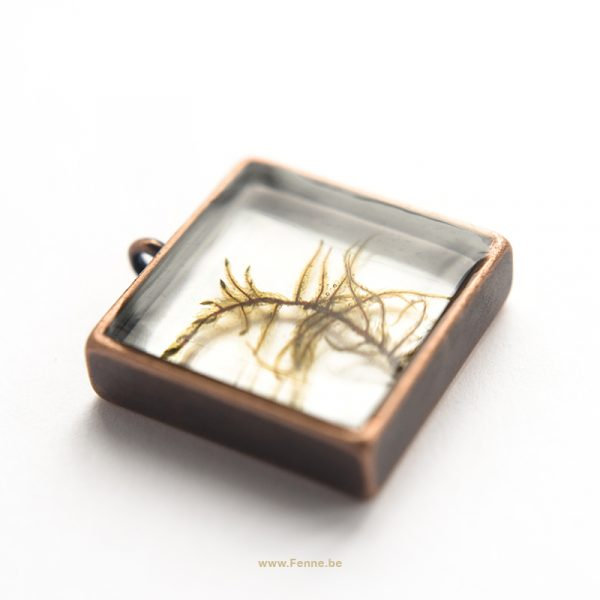 Copper & nature pendant, resin jewelry, nature jewelry, www.Fenne.be